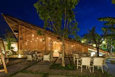 Built by a21 studio in Nha Trang, Viet Nam with date 2011. Images by Hiroyukioki. Located in the city center of NhaTrang, LAM Café is the place where the local people and the tourists from every wher...