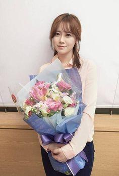 Gu Hye Sun, Ahn Jae Hyun, Korean People, Korean Actresses, Female Singers, Leonardo Dicaprio, Every Girl, Kdrama, Boy Or Girl