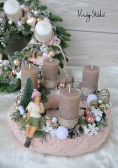 Christmas Advent Wreath, Xmas Wreaths, Winter Christmas, Christmas Decorations, Table Decorations, Holiday Decor, Christmas Arrangements, All Things Christmas, Pillar Candles