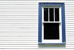 www.oldhouseweb.com A classic old sash window.