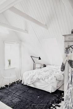 white and grey bedroom | HarperandHarley