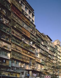 Photographers Ian Lambot and Greg Girard's unique exploration of the, now demolished, Chinese walled city, once the densest urban environment on the planet Kowloon Walled City, Cyberpunk City, Future City, The Babadook, Ghost City, Urban Photography, Grunge Photography, Minimalist Photography, Color Photography