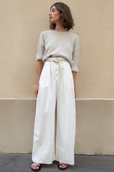 Dunn Palazzo Pants in White Creme by Nanushka – The Frankie Shop Creme Outfits, Linen Pants Outfit, Look Retro, Wide Trousers, White Pants, White Linen Trousers, White Palazzo Pants, Blue Pants, Lounge Wear
