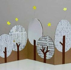 Cardboard collage ideas , big or small holiday kids craft , from art cards to photo booths , recycle those boxes for some big fun! Diy And Crafts, Christmas Crafts, Christmas Decorations, Paper Crafts, Christmas Ornaments, Winter Crafts For Kids, Diy For Kids, Projects For Kids, Art Projects