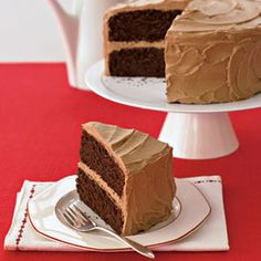 Mexican Chocolate Cake- Probably the best frosting I've made! Mexican Chocolate Cakes, Chocolate Party, Chocolate Frosting, Cake Chocolate, Chocolate Lovers, Cupcakes, Cupcake Cakes, Easy Desserts, Delicious Desserts