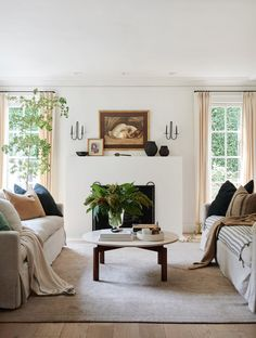 Cozy Living Rooms, Formal Living Rooms, Home Living Room, Living Room Designs, Living Spaces, Bright Living Room Decor, Sitting Rooms, Living Room Inspiration, Style Inspiration