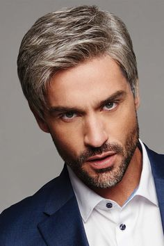 The top short hairstyles for men for the year 2018 are eye-catching and somewhat sophisticated. Forget about the one-length and monotone haircuts that guys liked to rock a couple of years ago. Today the short mens hairstyles have become particularly. Short Hair With Beard, Short Hair Cuts, Short Hair Styles, Cool Haircuts, Haircuts For Men, Popular Beard Styles, Korean Haircut, Haircut Men, Beard Model