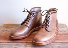 GET GOING(ゲットゴーイング)は、イギリスやアメリカの伝統を受け継ぎ、履き心地や見た目の美しさを追求している紳士靴ブランドGrant Stone(グラントストーン)製品取扱い日本正規販売店・オンラインショップです。そのシューズの確かな品質と履き心地は、世界中の靴愛好家から注目を集めています。