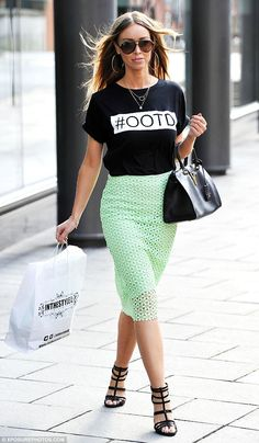 Lauren Pope.. urban cool.. In The Style #OOTD T-Shirt, with River Island black caged high heel sandals..