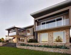 Eco Outdoor provides the best in Alpine dry stone cladding and walling. Find helpful resources, request a sample or contact a rep today. Stone Cladding Exterior, Natural Stone Cladding, Bluestone Paving, Limestone Wall, Stone Retaining Wall, Floating Staircase, Dry Stone, Mountain Modern, Stone Veneer