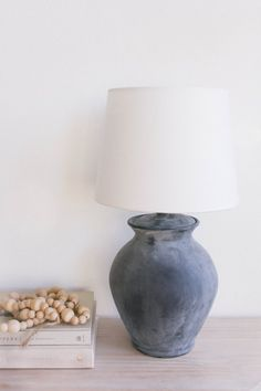 Cleverly Turn an Old Thrift Store Lamp Into a New Beauty Using These Surprising Materials Painting Lamps, Ceramic Painting, Ceramic Lamps, Home Decor Accessories, Decorative Accessories, Office Accessories, Bathroom Accessories, Cheap Home Decor, Diy Home Decor