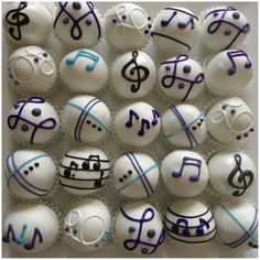 Musical cake balls are the perfect snack for the music (and dessert) lover in your life.  Surprise them today with this fun recipe!