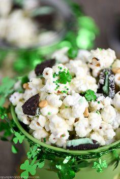 Mint Oreo Chocolate Popcorn - Great St. Patrick's Day treat!
