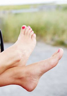 Laser Toenail-Fungus Treatment for 1 or Both Feet: NYC Footcare