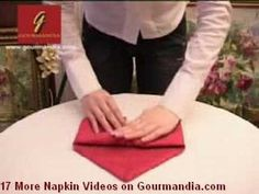 NAPKING FOLDING - PLIAGE SERVIETTES GOURMANDIA.COM Napkin Origami, Napkin Folding, Hersey Kisses, Boat Stuff, Personalized Birthday Gifts, Perfect Christmas Gifts, Be My Valentine, Etiquette, Hostess Gifts
