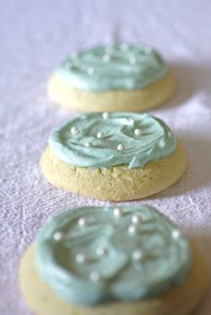 I made these yesterday for St. Patrick's Day... best sugar cookies ever!