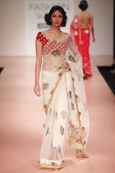 simply beautiful saree ... #ShaadiBazaar