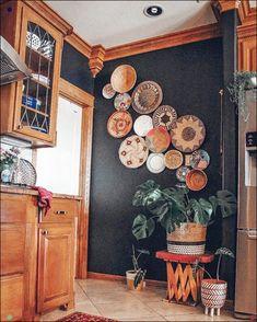 Bohemian Wall Art Design, Home Accessories, Bohemian Wall Art Design. Bohemian Wall Art, Bohemian Decor, Bohemian Design, Bohemian Style, White Bohemian, Home Decor Baskets, Baskets On Wall, Living Room Decor, Bedroom Decor