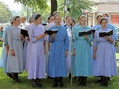 ~ Amish Young People ~ Sarah's Country Kitchen ~ Young Amish Mennonites Singing in a Choir.
