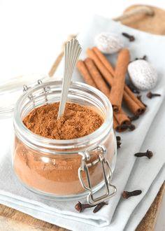 Perfect voor het najaar en sinterklaas: een recept waar je zelf speculaaskruiden mee kunt maken. Geschikt om in allerlei baksels te gebruiken.