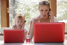 munka otthon az anyaság)