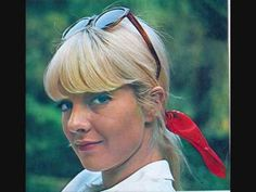 Sylvie Vartan - Comme un Garçon - YouTube When I hear this song I feel like I should grab a cane and straw hat and do a shuffle.