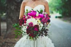 Florals by April Flowers. Photography by Sarah Kathleen Photography.
