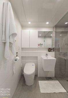 옥수동 중앙하이츠 42평 아파트 인테리어_뉴욕말고 옥수동(싱글남의 엣지하우스) : 네이버 블로그 Bathroom Interior, Modern Bathroom, Bathroom Plants, Aesthetic Rooms, Home Art, Home Furniture, Toilet, Home Goods, Bathtub