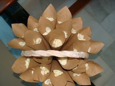 Conos papel kraft con pétalos para la salida de la iglesia Boda Mike y Geraldine 30-08-13 #calpe #bodas #weddings #weddingplanner #eventsplanner #bodasconlove