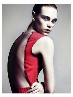 "DNA ""IT"" girl Caitlin Holleran in NOT's S/S13 Reveal Dress"