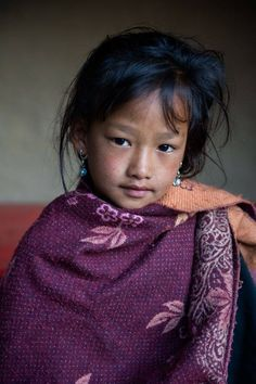 Girl from Nepal. people photography, world people, faces Precious Children, Beautiful Children, Beautiful Babies, Beautiful People, Kids Around The World, We Are The World, People Around The World, Little Doll, Little Girls