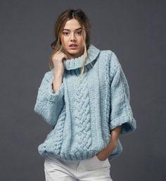 58 Ideas For Crochet Sweater Pattern Bulky Cable Sweater, Merino Wool Sweater, Wool Sweaters, Pull Torsadé, Cardigan, Sweater Fashion, Pulls, Knit Dress, Crochet