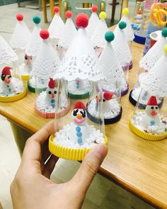 In this DIY tutorial, we will show you how to make Christmas decorations for your home. The video consists of 23 Christmas craft ideas. Diy Crafts Videos, Diy Crafts To Sell, Diy Crafts For Kids, Fun Crafts, Arts And Crafts, Paper Crafts, Preschool Christmas Crafts, Preschool Art, Xmas Crafts