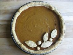 Have to remember this pie crust design. So cute!
