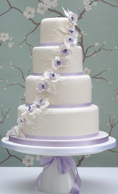 Lilac Orchid Cake by Planet Cake. A nice change from all the cherry blossoms out there!