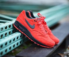 Nike Air Max 1 Essential 537383 201 Sneakersnstuff