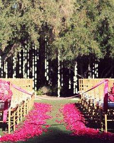 #MaidsMonday Pomegranate Wedding #Aisle