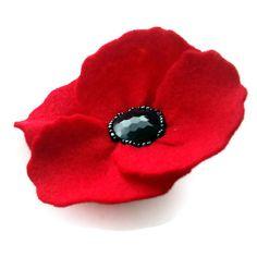 Felt Pin Badge Retro Style Felt Flower Brooch in by madebylolly