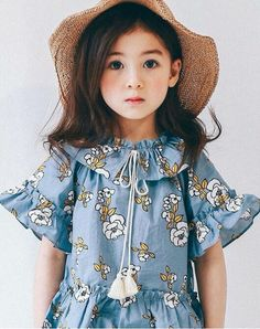 Beautiful Little Girls, Cute Little Baby, Cute Baby Girl, Beautiful Children, Baby Girl Dress Patterns, Baby Dress, Baby Girl Fashion, Kids Fashion, Korean Babies