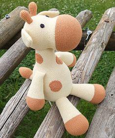 Toy patterns: Farah Giraffe Amigurumi