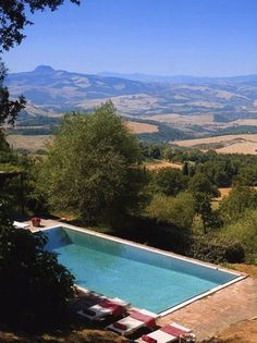 Villa Sarteano, Tuscany - view from pool by day