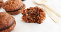Τραγανά Καρυδάτα Mε γέμιση σοκολάτας. Απλά μοναδικά Muffin, Breakfast, Recipes, Food, Morning Coffee, Muffins, Meals, Cupcakes, Eten