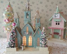 How cute to dress up a dollhouse and adding to your Christmas display