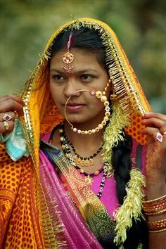 Nose Jewelry, Jewellery, India Art, Ethnic Print, Ethnic Fashion, Indian Sarees, My Girl, Culture, Bride