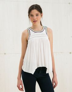 BSK crochet, bambula and yoke top. Discover this and many more items in Bershka with new products every week White Blouses, Knit Crochet, Archive, Street Style, Shapes, Black And White, Tank Tops, Knitting, Beach