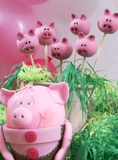 Pink pig #cake pops, cute.