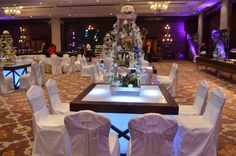 . Dr. Anil Kumar Sharma (CMD, Amrapali groups) and his wife Pallavi were extremely glad to receive the enchanting ambiance and splendid décor created on the special day of their daughter, Swapnil. Mr. N. K. Sinha and Mrs. Dolly parents of Ritik were equally happy and voicing appreciation on the entire arrangement made for the celebration of the event.