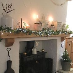 ❤️Morning chilly start but loving the 'Christmas' smells evolving in the cottage ❤️wishing you all a lovely day #cottage #christmas #countryhome #countryliving #cosy #vintage