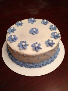 Vanilla buttermilk cake with crushed red velvet m&m buttercream filling!