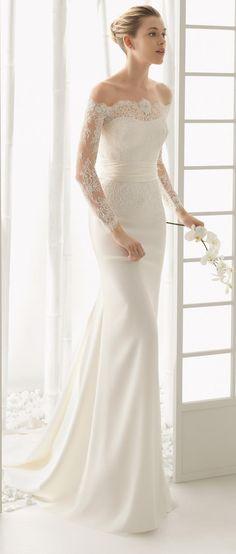 Роза Клара (Rosa Clara) теперь один из самых любимых брендов свадебных платьев! Элегантность, превосходный крой, невероятная красота кружев, прекрасных тканей. Свадебные платья с силуэтами прекрасных русалок, очаровательные классические линии прямых и пышных платьв, которые украшены бисером и изысканным кружевом. Давайте насладимся красотой коллекции свадебных платьев 2016 от Розы Клары!